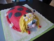 dětský narozeninový dort (ořechový)